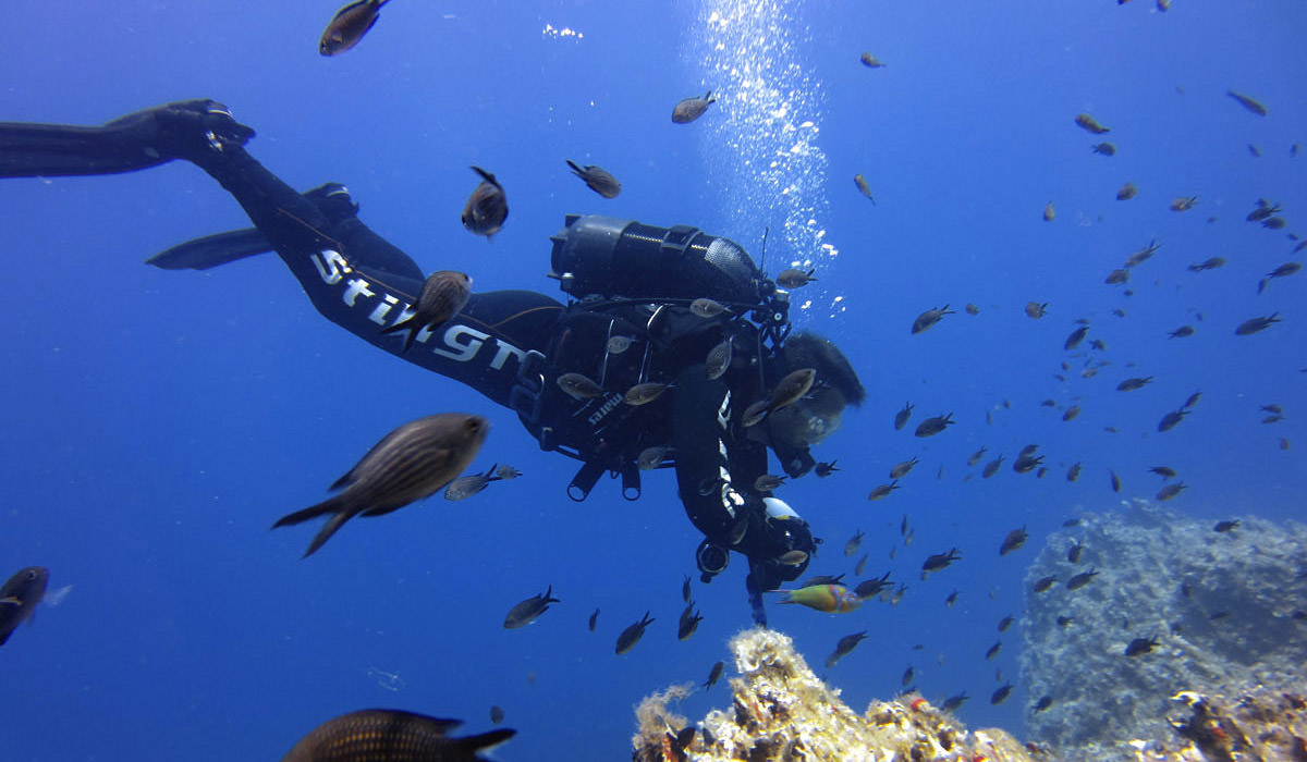 sea-u-folegandros-dive-center-scuba-discover-scuba2